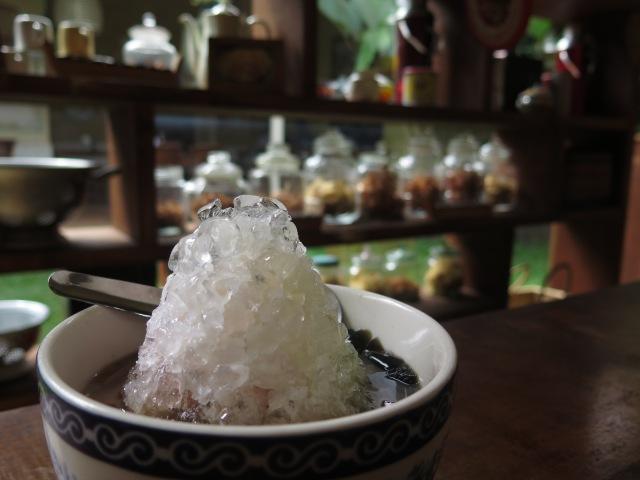 Es kacang merah at Sagoo/Kopi Lay, Jalan Trunojoyo.