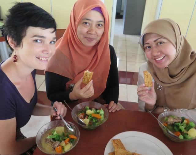 Sop buntut cook up in the kitchenette with Atik and Retzy.
